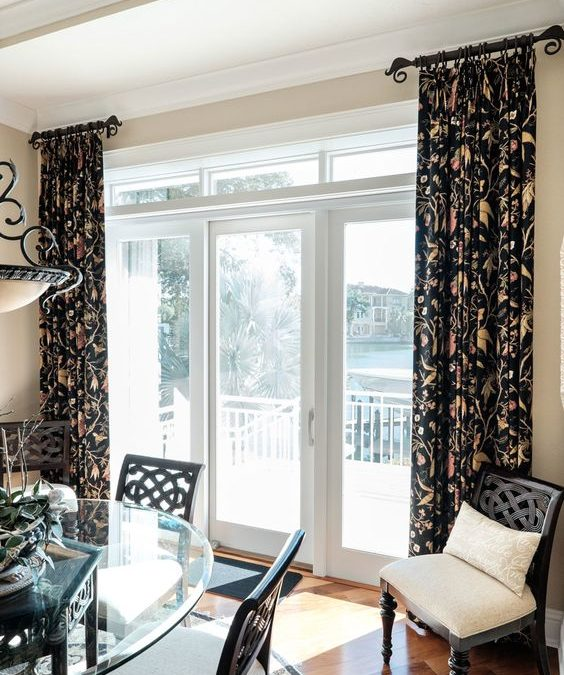 Breakfast Room – Stationary Drapery Panels and Wrought Iron Drapery Rods